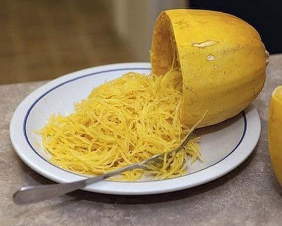 Courge spaghetti et pesto de roquette